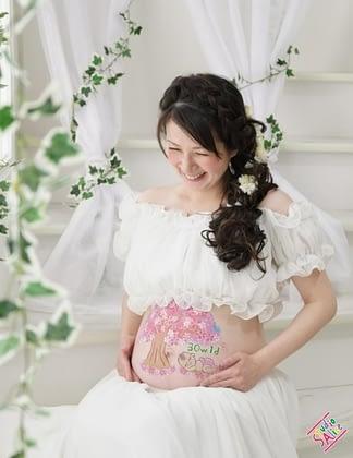 マタニティペイント_赤ちゃんと桜の画像